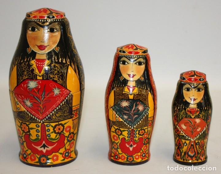 MUÑECA RUSA (MATRIUSKA) PINTADA A MANO (22 CM). (Arte - Étnico - Europa)