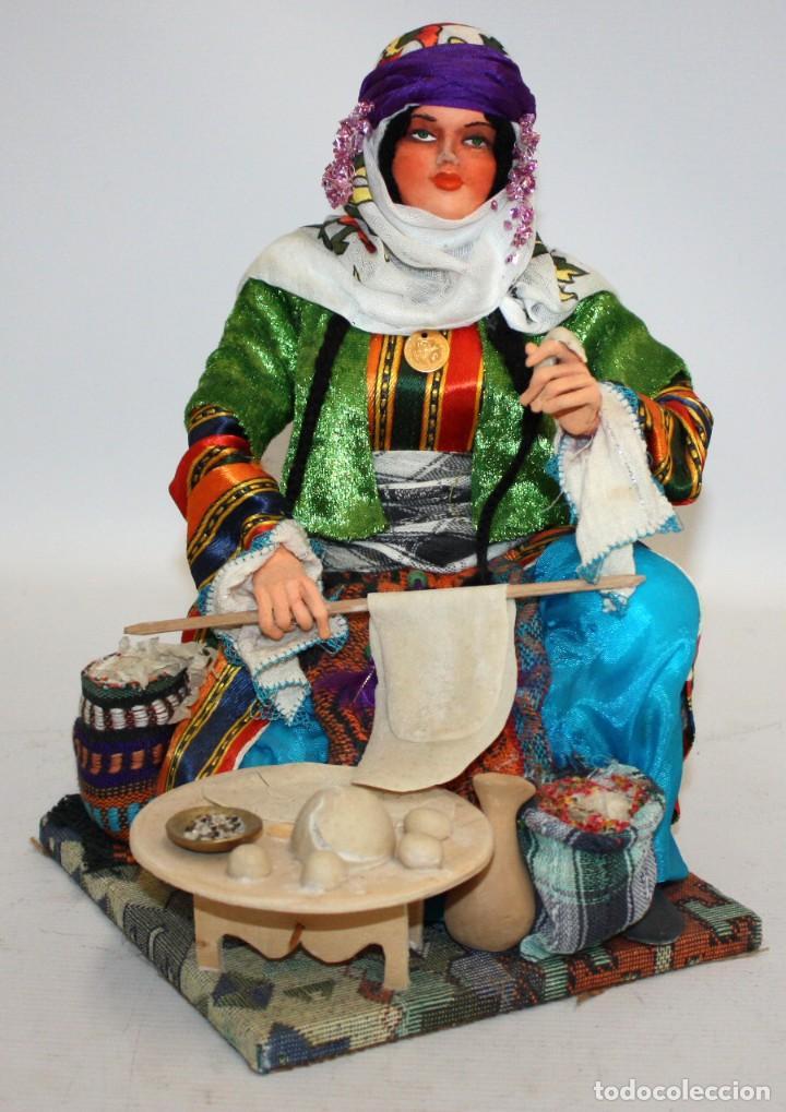 VENDEDORA AMBULANTE DE PAN DE TURQUIA .(IMPRESIONANTE). (Arte - Étnico - Europa)