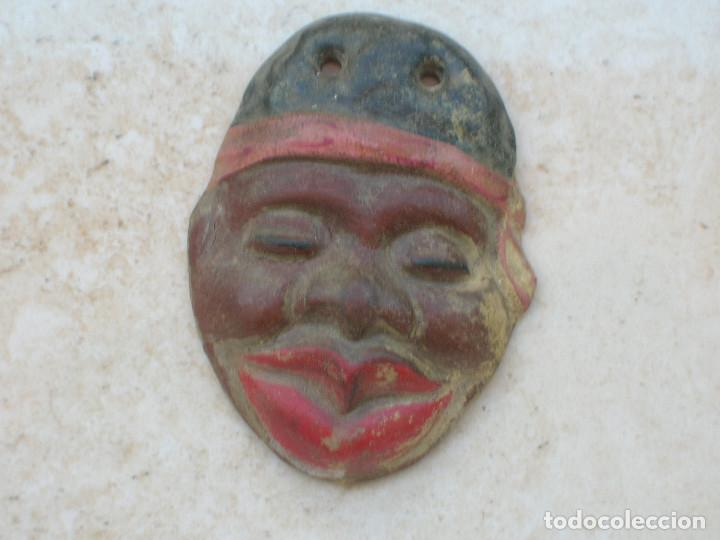 Arte: Mujer negra. Antiguo y rarísimo colgante de terracota policromada.Años 20s. - Foto 4 - 133979154