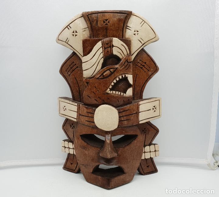 Arte: Máscara antigua chamán en madera tallada a mano decorada con esmalte marfil . - Foto 3 - 136810618