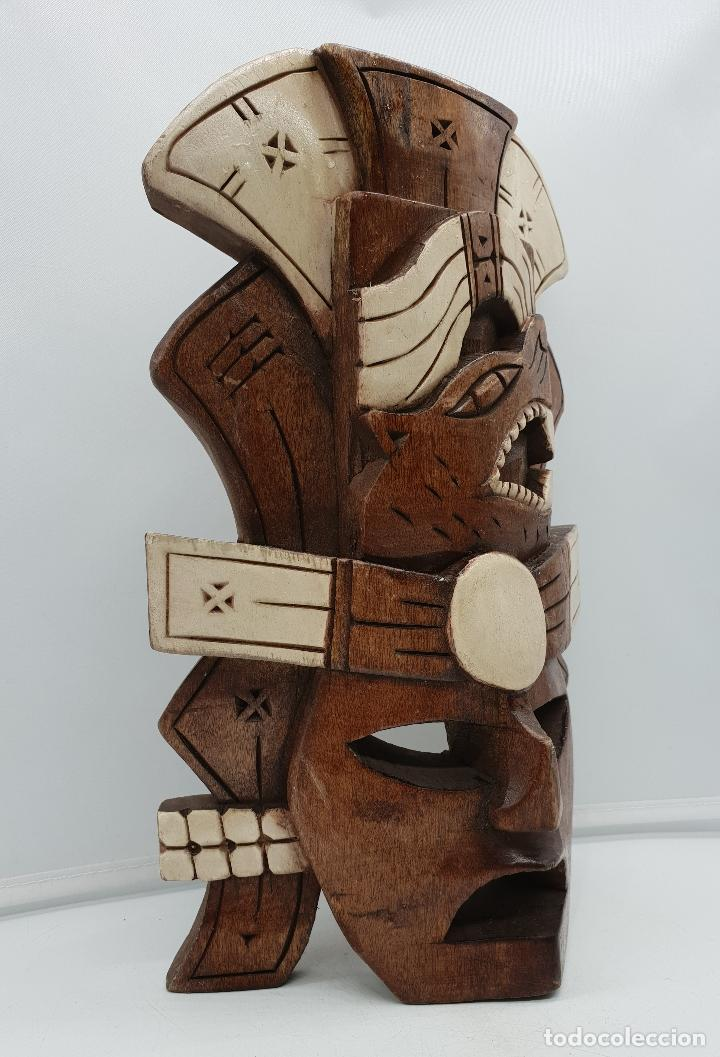 Arte: Máscara antigua chamán en madera tallada a mano decorada con esmalte marfil . - Foto 4 - 136810618
