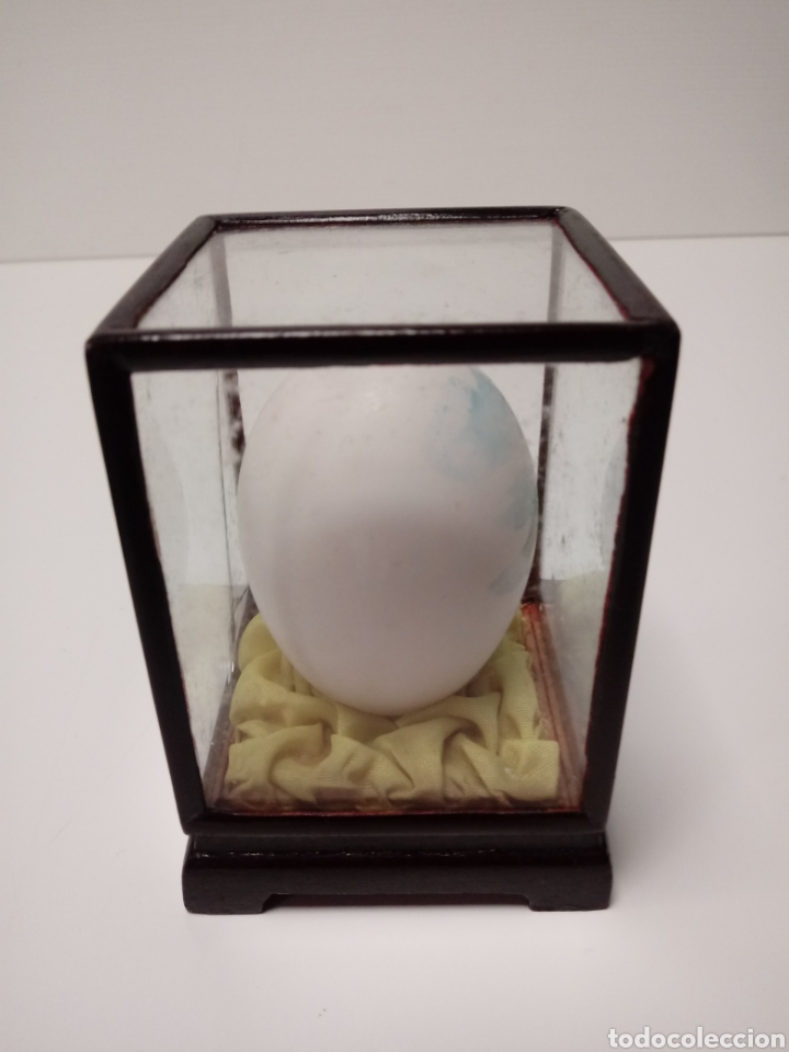 Arte: Huevo de adorno pintado a mano años 70 en urna de madera y cristal - Foto 3 - 137895096