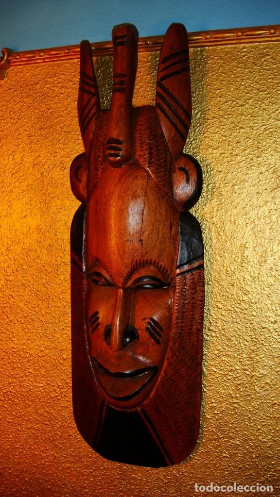 Arte: x2 MÁSCARAS TALLA MADERA AFRICANA - DECORADAS Y TALLADAS A MANO - MACIZAS - PESAN MUCHÍSIMO.... - Foto 3 - 29920256