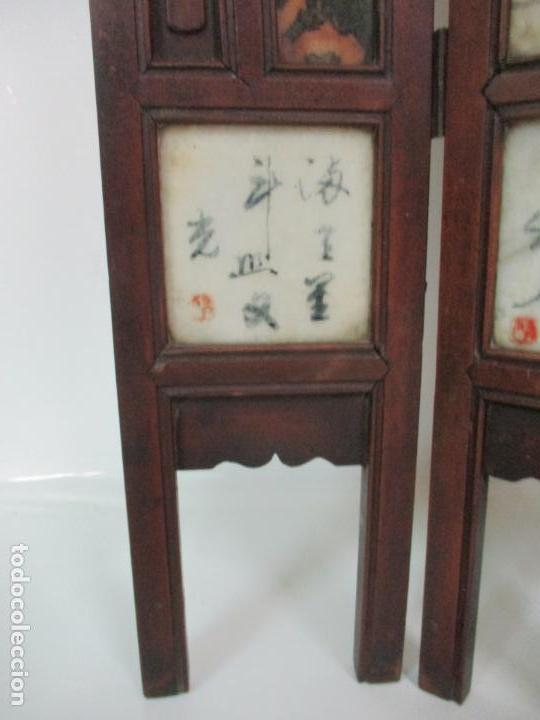 Arte: Pequeño Biombo Antiguo - Oriental - China - 8 Hojas - 2 Caras - Madera y Mármol Policromado - Foto 4 - 139309766