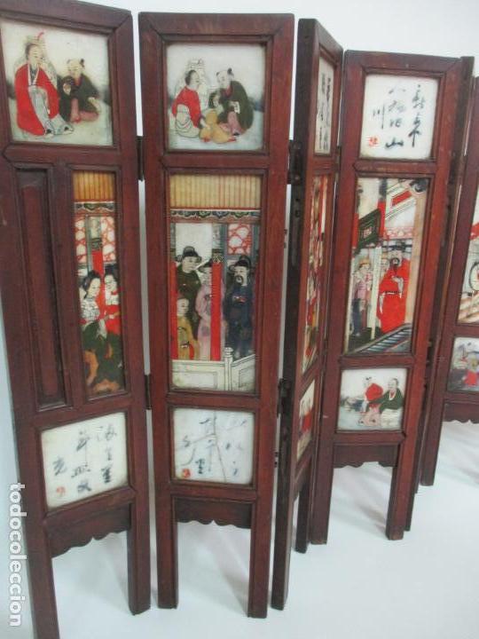 Arte: Pequeño Biombo Antiguo - Oriental - China - 8 Hojas - 2 Caras - Madera y Mármol Policromado - Foto 7 - 139309766