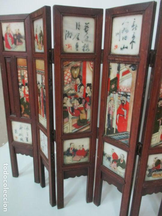 Arte: Pequeño Biombo Antiguo - Oriental - China - 8 Hojas - 2 Caras - Madera y Mármol Policromado - Foto 12 - 139309766