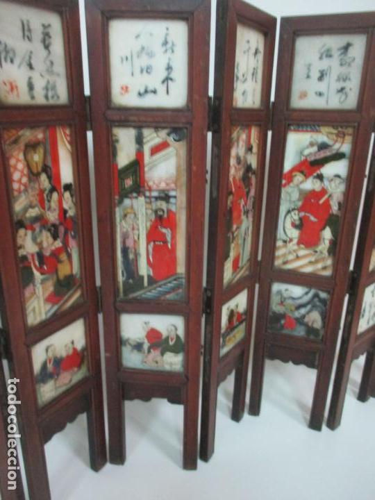 Arte: Pequeño Biombo Antiguo - Oriental - China - 8 Hojas - 2 Caras - Madera y Mármol Policromado - Foto 16 - 139309766