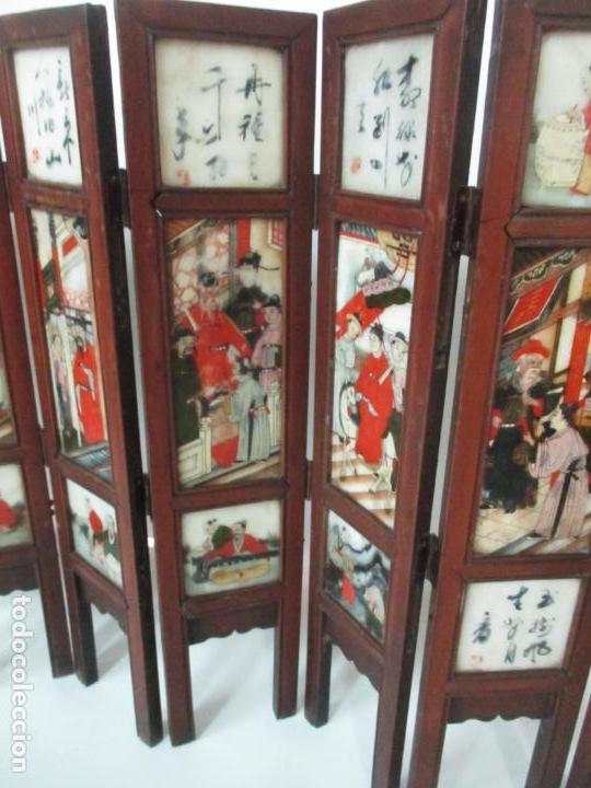 Arte: Pequeño Biombo Antiguo - Oriental - China - 8 Hojas - 2 Caras - Madera y Mármol Policromado - Foto 20 - 139309766