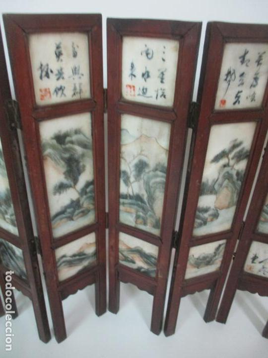 Arte: Pequeño Biombo Antiguo - Oriental - China - 8 Hojas - 2 Caras - Madera y Mármol Policromado - Foto 48 - 139309766
