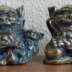 Arte: ESCULTURA BRONCE. PAREJA DE LEONES-PERROS DE BUDA-FU-FO-FOO. MONEDAS ANTIGUAS. CHINA. S. XVIII-XIX.. Lote 139363734