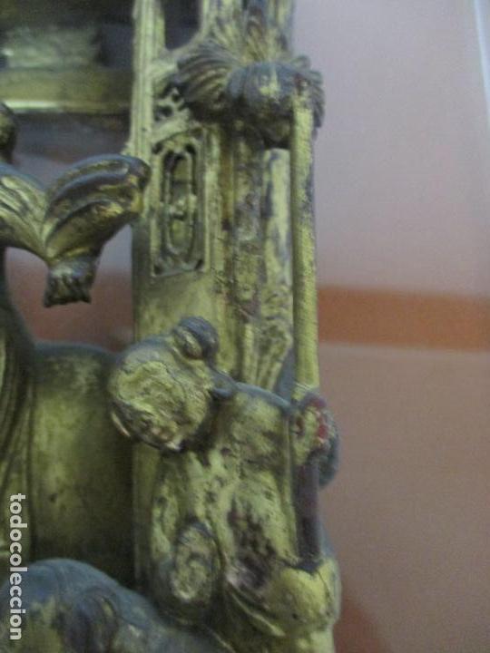 Arte: Antiguo Relieve Oriental - China - Talla de Madera Dorada - Sobre Metraquilato y Marco -S. XVIII-XIX - Foto 11 - 143744254