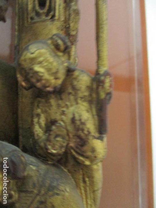 Arte: Antiguo Relieve Oriental - China - Talla de Madera Dorada - Sobre Metraquilato y Marco -S. XVIII-XIX - Foto 12 - 143744254