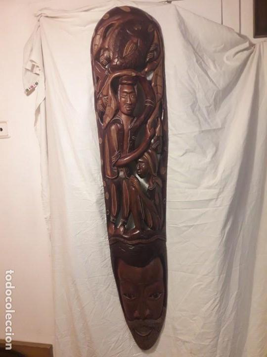 MAGNIFICA MASCARA AFRICANA ANTIGUA GRAN TALLA DE MADERA HECHA A MANO EN UNA SOLO PIEZA 135 CM (Arte - Étnico - África)