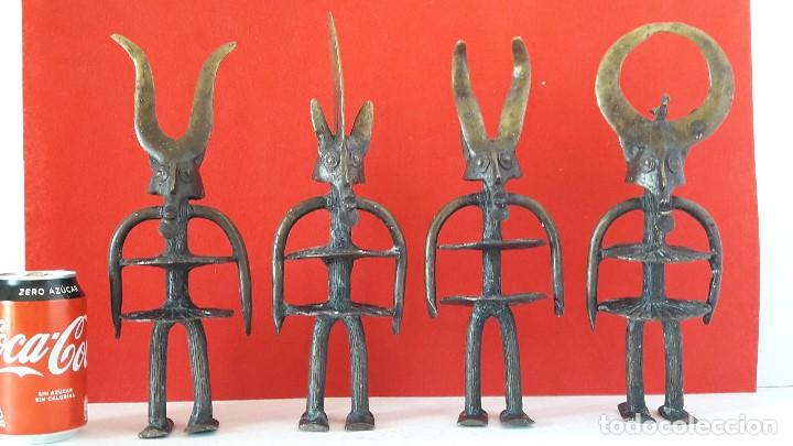 FIGURA DE BRONCE MACIZO , ARTE ETNICO AFRICANO (Arte - Étnico - África)
