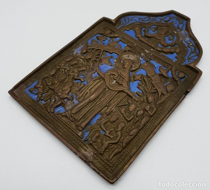 Arte: Capilla o icono ruso ortodoxo antiguo bellamente cincelado en bronce y parcialmente esmaltado . - Foto 2 - 145292682