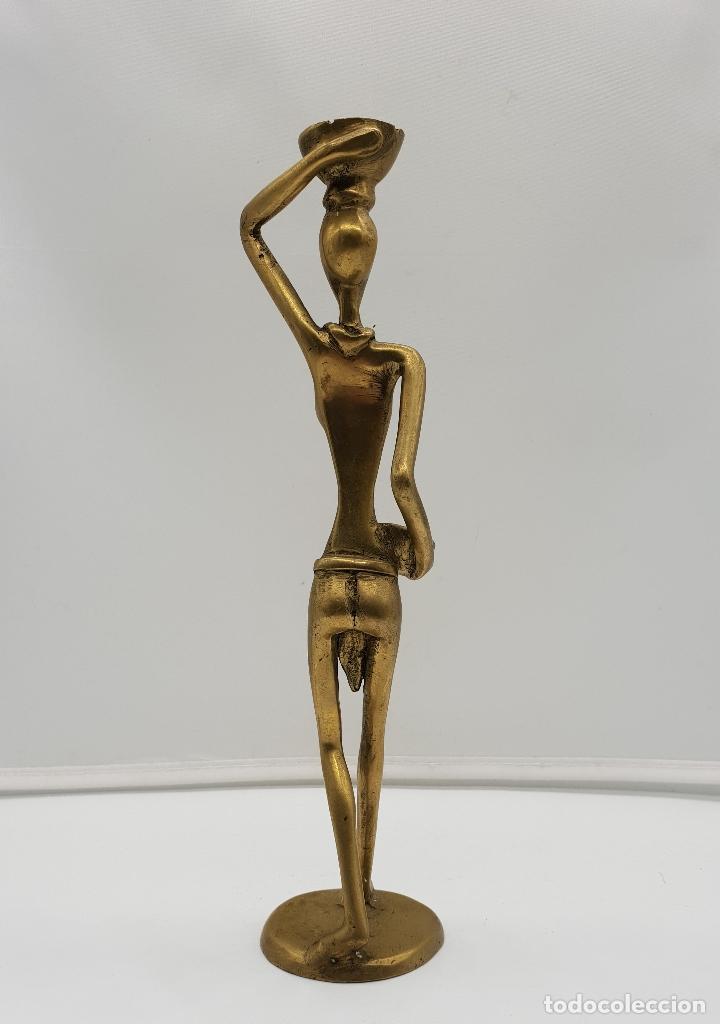 Arte: Escultura antigua africana en bronce de nativa de Dahomey portando cestas para fruta, hecha a mano . - Foto 5 - 145796922
