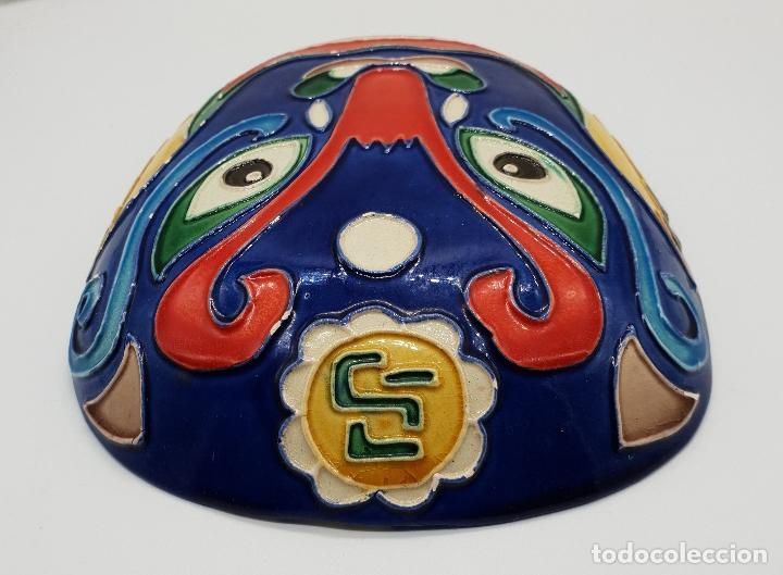 Arte: Gran mascara antigua Maori en cerámica con bellos relieves hecha y minuciosamente esmaltada a mano . - Foto 5 - 145798374