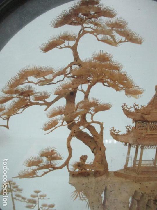 Arte: Bonito Diorama Chino - Vitrina de Madera Laca negra - Mural, Pagoda en Corcho - Años 50 - Foto 6 - 145823614
