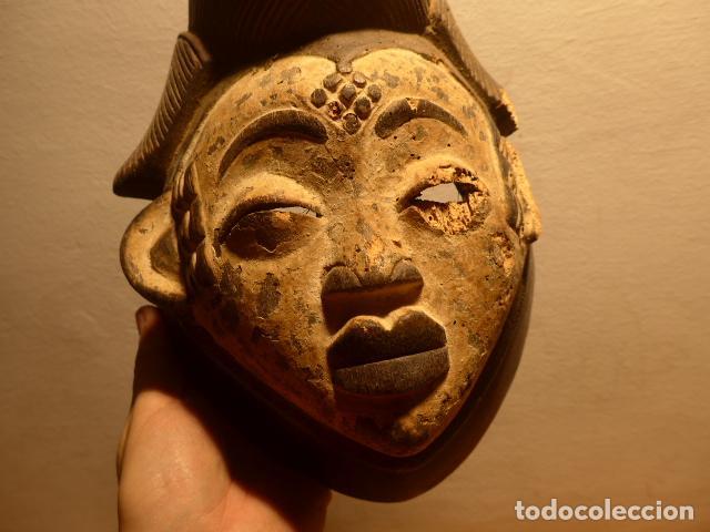 Kunst: Antigua mascara africana de madera tallada, original, de tribu Puno de Gabon, Africa. - Foto 2 - 147659002