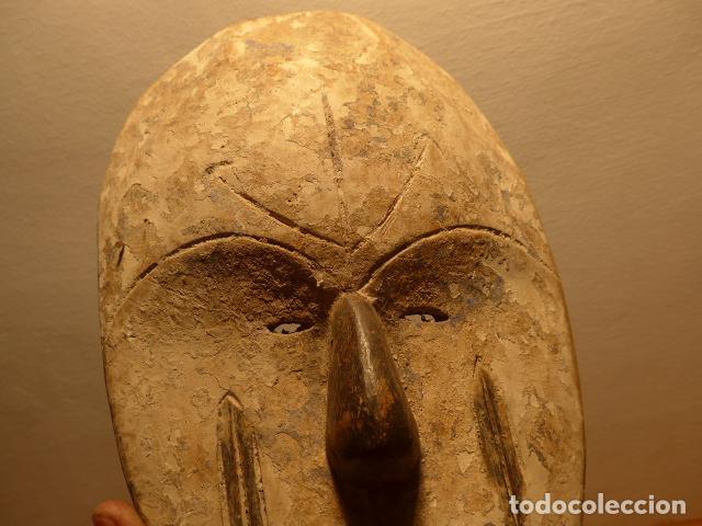 Arte: Antigua mascara africana de madera tallada, original, de tribu de Gabon, africa. - Foto 2 - 147659126