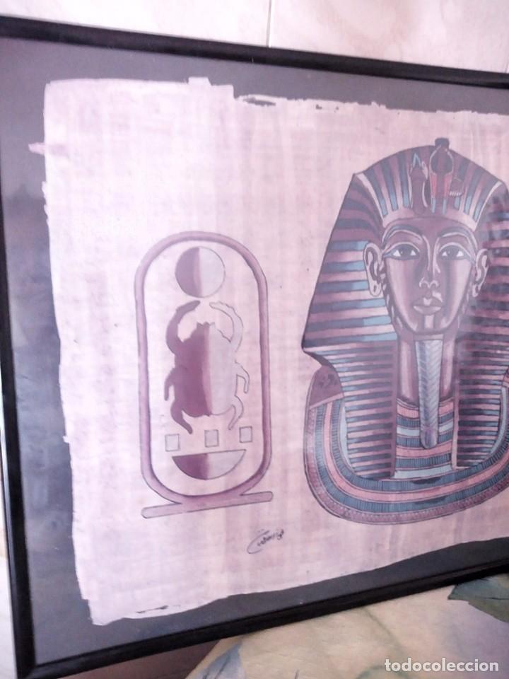 Arte: Precioso papiro con imagen de faraón tuntankamon, firmado.color poco común. Enmarcado. - Foto 6 - 147831346