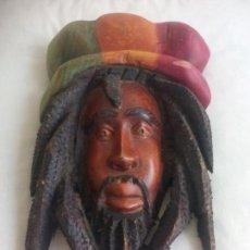 Arte: TALLA MADERA RASTA RASTAFARI DE JAMAICA, TALLADA A MANO. BOB MARLEY. Lote 148152482