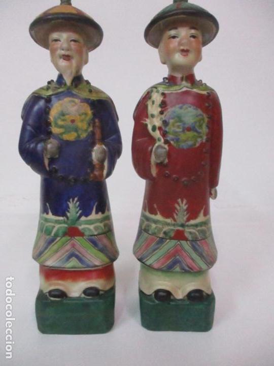 Arte: Pareja de Emperadores Orientales - Figura Porcelana de Biscuit - Pintados a Mano - Sello en la Base - Foto 2 - 149035838