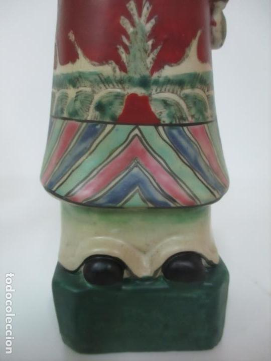 Arte: Pareja de Emperadores Orientales - Figura Porcelana de Biscuit - Pintados a Mano - Sello en la Base - Foto 3 - 149035838