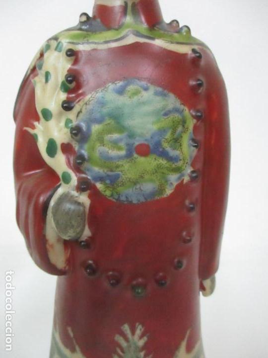 Arte: Pareja de Emperadores Orientales - Figura Porcelana de Biscuit - Pintados a Mano - Sello en la Base - Foto 4 - 149035838