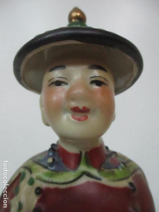 Arte: Pareja de Emperadores Orientales - Figura Porcelana de Biscuit - Pintados a Mano - Sello en la Base - Foto 5 - 149035838