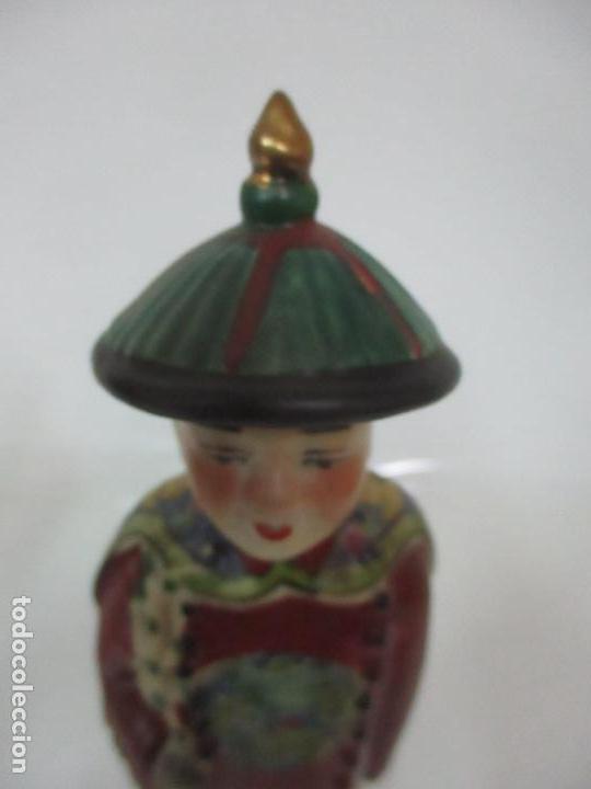 Arte: Pareja de Emperadores Orientales - Figura Porcelana de Biscuit - Pintados a Mano - Sello en la Base - Foto 6 - 149035838