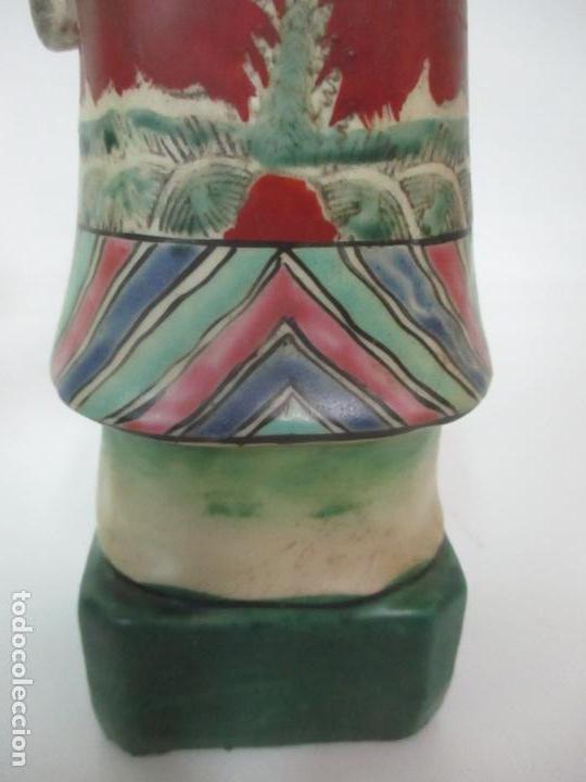 Arte: Pareja de Emperadores Orientales - Figura Porcelana de Biscuit - Pintados a Mano - Sello en la Base - Foto 8 - 149035838