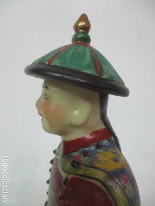 Arte: Pareja de Emperadores Orientales - Figura Porcelana de Biscuit - Pintados a Mano - Sello en la Base - Foto 9 - 149035838