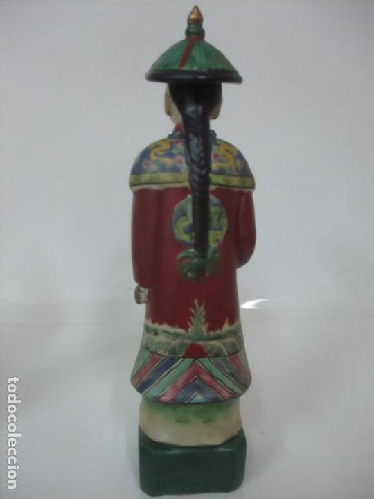 Arte: Pareja de Emperadores Orientales - Figura Porcelana de Biscuit - Pintados a Mano - Sello en la Base - Foto 10 - 149035838