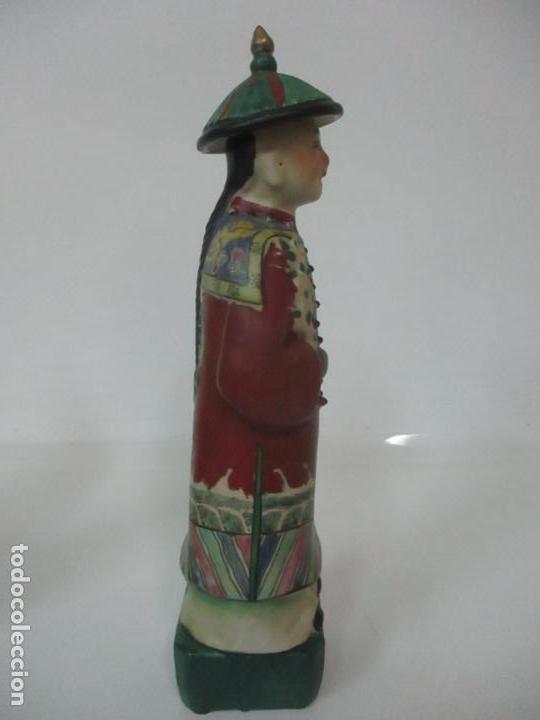 Arte: Pareja de Emperadores Orientales - Figura Porcelana de Biscuit - Pintados a Mano - Sello en la Base - Foto 13 - 149035838