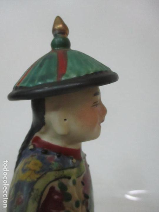 Arte: Pareja de Emperadores Orientales - Figura Porcelana de Biscuit - Pintados a Mano - Sello en la Base - Foto 14 - 149035838