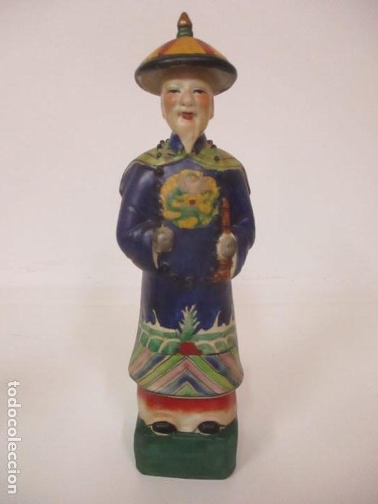 Arte: Pareja de Emperadores Orientales - Figura Porcelana de Biscuit - Pintados a Mano - Sello en la Base - Foto 16 - 149035838