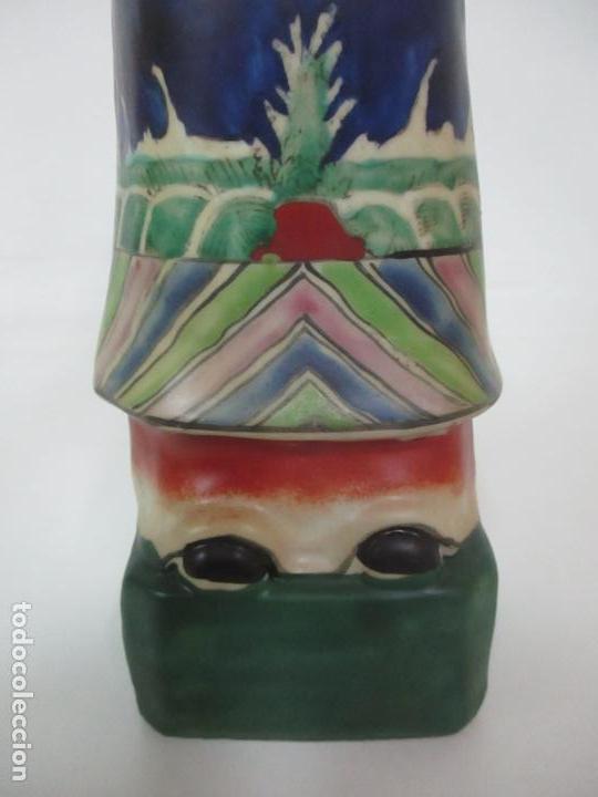 Arte: Pareja de Emperadores Orientales - Figura Porcelana de Biscuit - Pintados a Mano - Sello en la Base - Foto 17 - 149035838