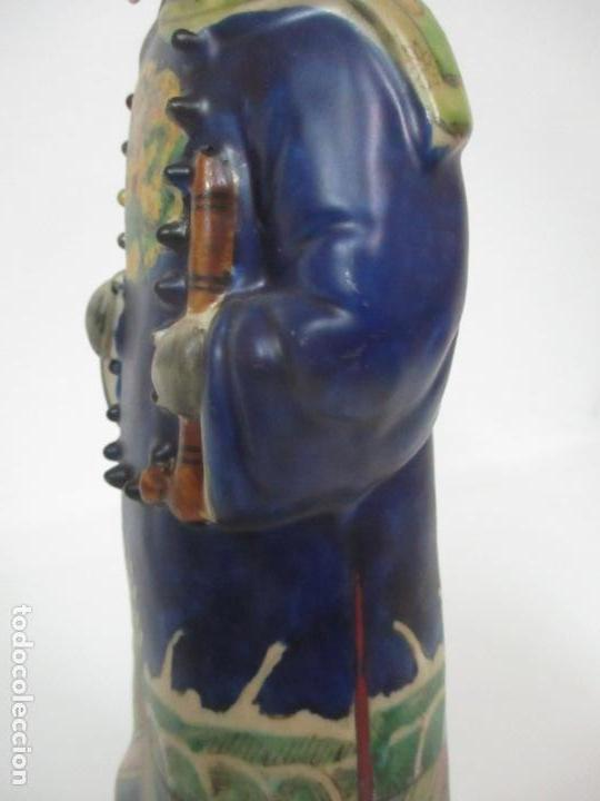 Arte: Pareja de Emperadores Orientales - Figura Porcelana de Biscuit - Pintados a Mano - Sello en la Base - Foto 21 - 149035838