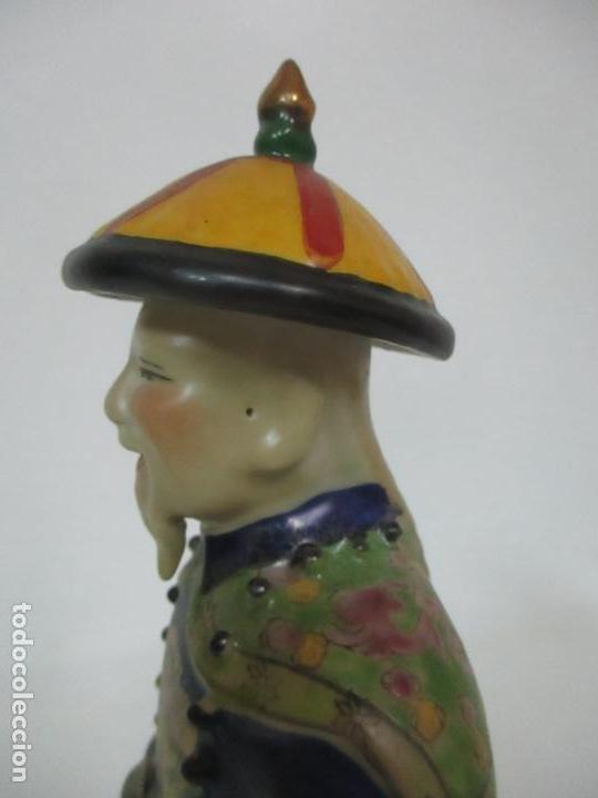 Arte: Pareja de Emperadores Orientales - Figura Porcelana de Biscuit - Pintados a Mano - Sello en la Base - Foto 22 - 149035838
