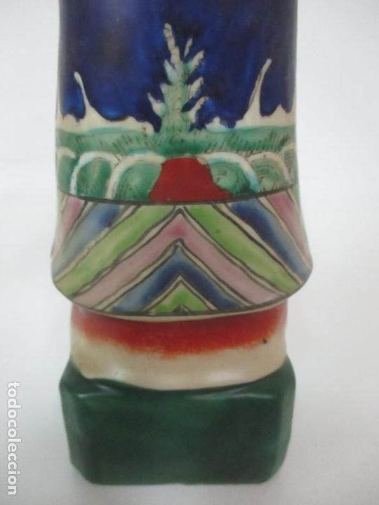 Arte: Pareja de Emperadores Orientales - Figura Porcelana de Biscuit - Pintados a Mano - Sello en la Base - Foto 23 - 149035838