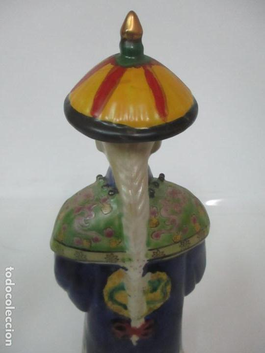 Arte: Pareja de Emperadores Orientales - Figura Porcelana de Biscuit - Pintados a Mano - Sello en la Base - Foto 24 - 149035838