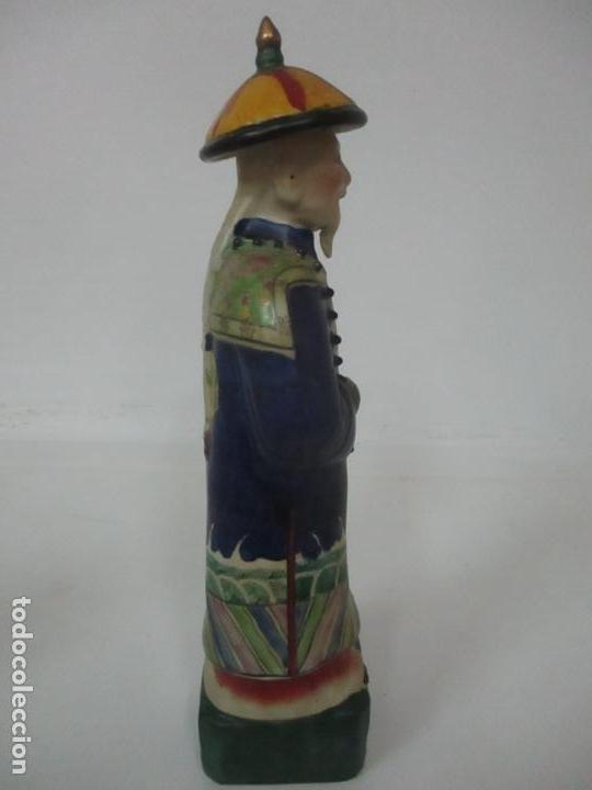 Arte: Pareja de Emperadores Orientales - Figura Porcelana de Biscuit - Pintados a Mano - Sello en la Base - Foto 26 - 149035838