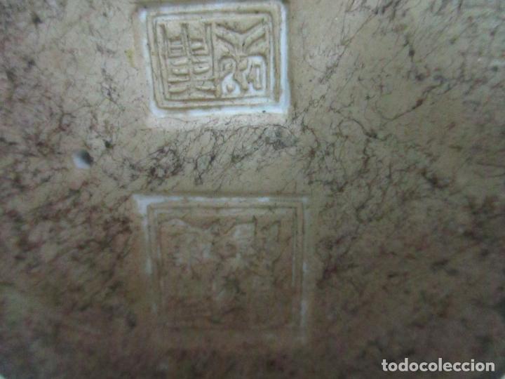 Arte: Pareja de Emperadores Orientales - Figura Porcelana de Biscuit - Pintados a Mano - Sello en la Base - Foto 28 - 149035838