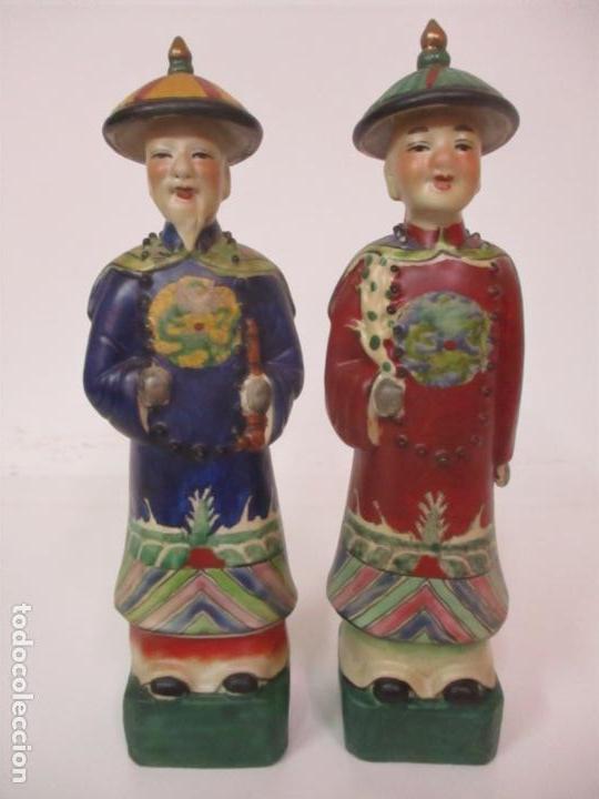 Arte: Pareja de Emperadores Orientales - Figura Porcelana de Biscuit - Pintados a Mano - Sello en la Base - Foto 29 - 149035838