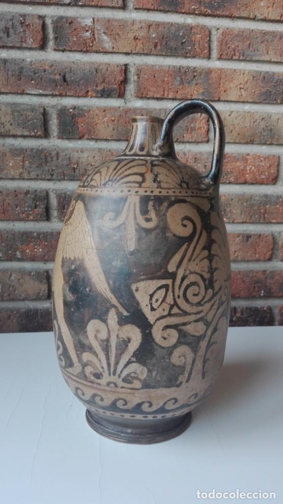 Arte: Lekythos de cerámica griega de la Magna Grecia S. IV a.C. - Foto 2 - 149829662