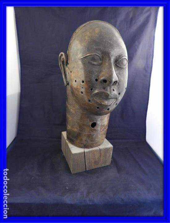 MAGNIFICA CABEZA IFE EN BRONCE DE BENIM (Arte - Étnico - África)