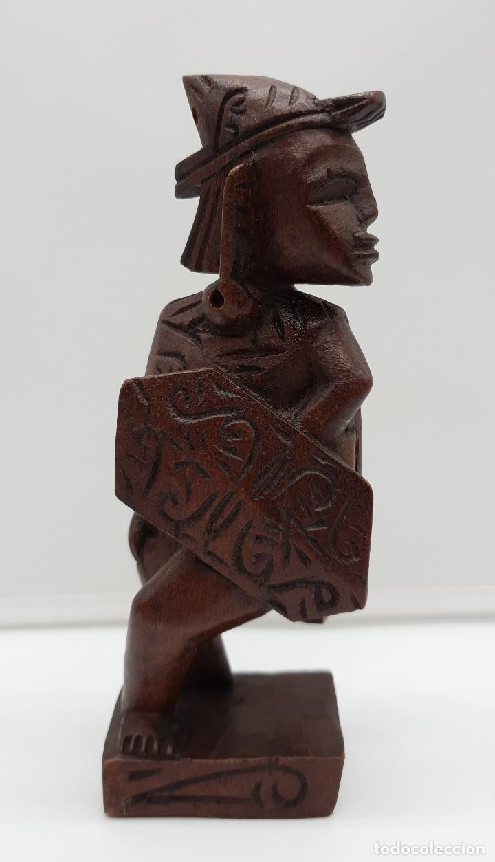 TALLA ANTIGUA DE GUERRERO INDÍGENA BELLAMENTE TALLADO A MANO EN MADERA . (Arte - Étnico - América)