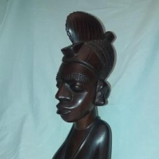 Arte: MAGNIFICO GRAN BUSTO TALLA MADERA AFRICANA FIGURA FEMENINA 39CM, 2.3KG. Lote 154954138