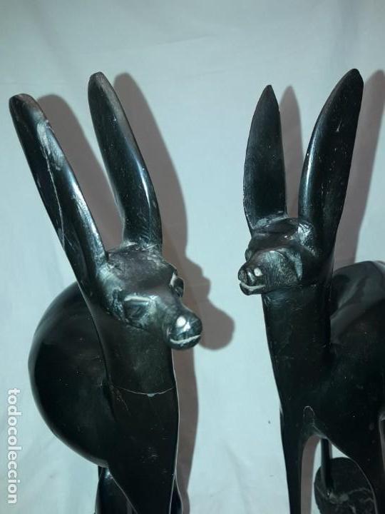 Arte: Preciosas esculturas africanas talla madera de Ébano pareja de gacelas con cría 38cm 2.5kg - Foto 27 - 154955542